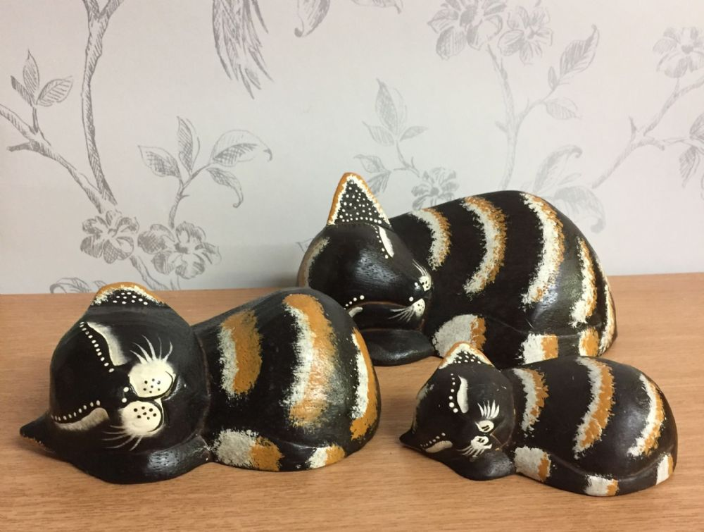 Sleeping Kitten - Wooden Cat Decorative Ornament - Family of 3